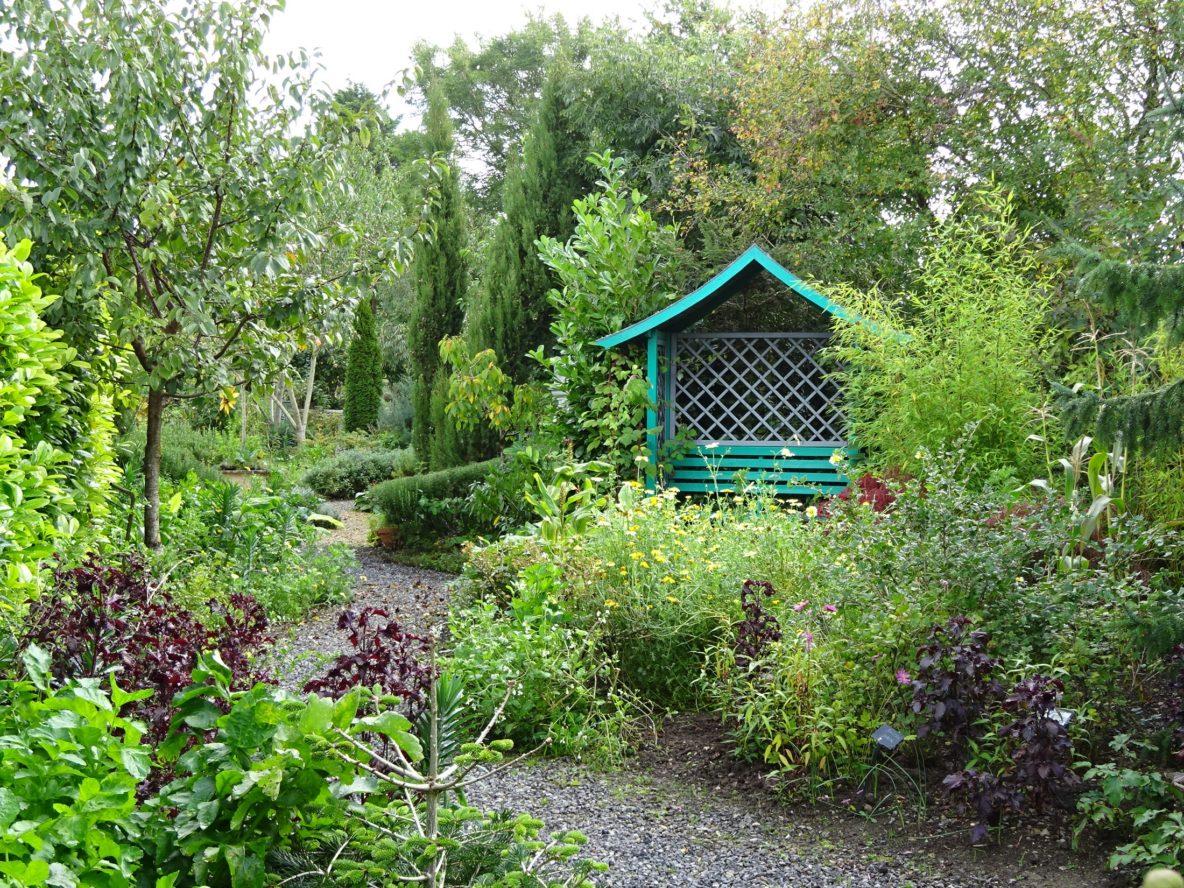 Midney Gardens, Somerton